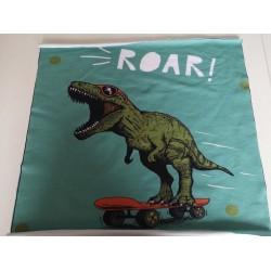 "Motyvas ""Dinozauras ant riedlentės"""